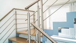 Nerezové zábradlí na schodiště